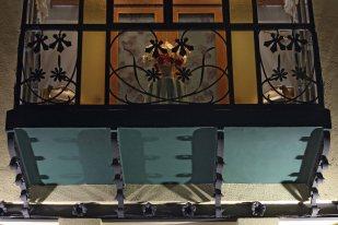 Vista de detall del balcó de la casa Gassiot, 2012 (ACGAX. Col·lecció d'imatges de l'ACGAX. Autor: Pep Sau)