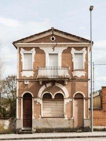 Vista frontal de la casa Farigola, 2018 (ACGAX. Col·lecció d'imatges de l'ACGAX. Autor: Quim Roca)