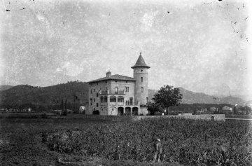 Vista general de Can Gou, 1916 (ACGAX. Fons Sadurní Brunet Pi. Autor: Sadurní Brunet)