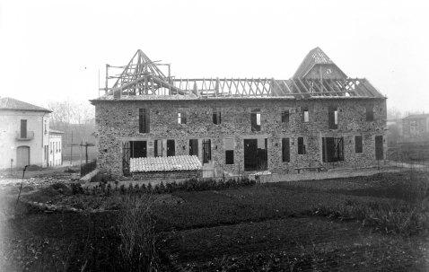 Casa Pagès, en procés de construcció, 1928 (ACGAX. Fons Sadurní Brunet Pi. Foto Sadurní Brunet)