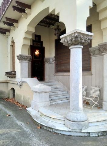 Vista parcial de l'entrada de la casa Pons i Tusquets, 2018 (Foto: Arnau Vergés)