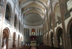 Vista general de l'interior de l'església nova de Santa Maria del Collell, a Sant Ferriol, 2018 (Foto: www.catalunyamedieval.es Autor: Ricard Balló)