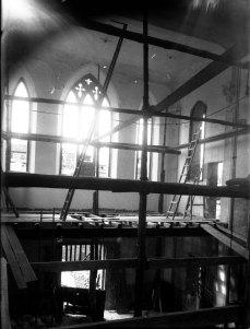 Interior de l'església de la Divina Providència, en procés d'obres, 1924 (ACGAX. Fons Sadurní Brunet Pi. Foto: Sadurní Brunet)