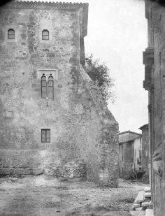 Vista parcial del castell de Sant Mori, 1946 (ACGAX. Fons Sadurní Brunet Pi. Autor: Sadurní Brunet)