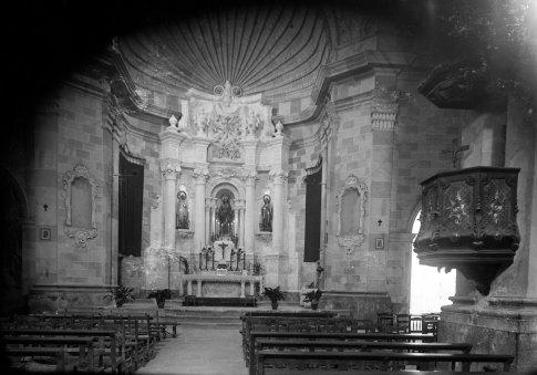Vista parcial de l'església de Santa Eulàlia de Noves, a Garriguella, 1941 (ACGAX. Fons Sadurní Brunet Pi. Autor: Sadurní Brunet)