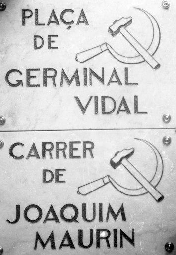 Plaques del carrer de Joaquim Maurín i de la plaça de Germinal Vidal, entre els anys 1931 i 1938( ACGAX. Fons Sadurní Brunet Pi. Autor: Sadurní Brunet)