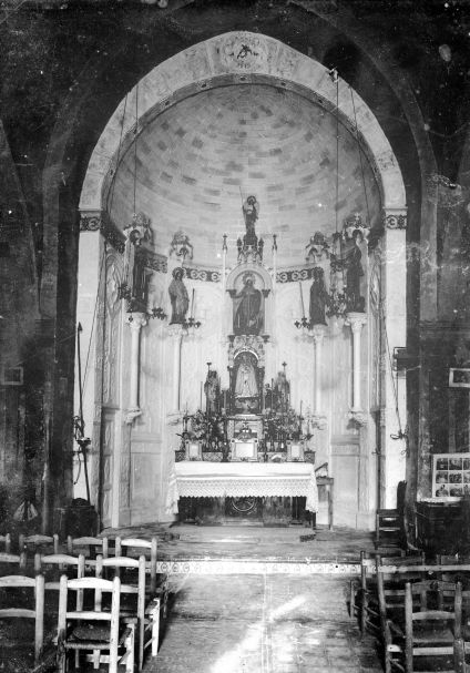 Altar major de l'església de Santa Eulàlia de Begudà, a Sant Joan les Fonts,1918 (ACGAX. Fons Sadurní Brunet Pi. Autor: Sadurní Brunet)