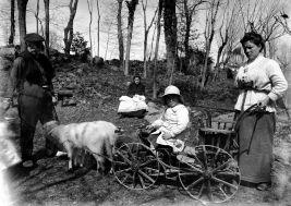 Retrat de grup, 1918 (ACGAX. Fons Sadurní Brunet Pi. Autor: Sadurní Brunet)