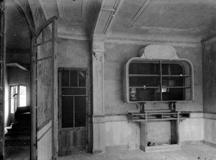 Vista parcial d'un interior, en procés de reformes, entre 1912 i 1920 (ACGAX. Fons Sadurní Brunet Pi. Autor: Sadurní Brunet)