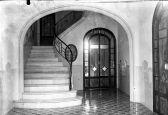 Vista frontal de les escales d'accés al primer pis de l'Hotel del Parc, 1918 (ACGAX. Fons Sadurní Brunet Pi. Foto: Sadurní Brunet)