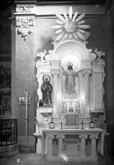 Vista frontal de l'altar del Sagrat Cor de l'església de Sant Martí, a Jafre, 1946 (ACGAX. Fons Sadurní Brunet Pi. Autor: Sadurní Brunet)