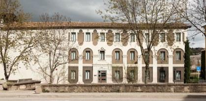Vista frontal de la seu del Consorci d'Acció Social de la Garrotxa, a Olot, 2018 (ACGAX. Col·lecció d'imatges de l'ACGAX. Autor: Quim Roca)
