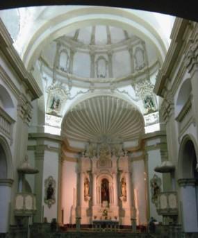 Vista general de l'església de Santa Eulàlia de Noves, a Garriguella, c. 2012 (foto: www.poblesdecatalunya.cat)