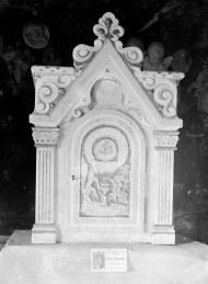 Vista frontal del sagrari de l'altar major de l'església de Santa Eulàlia de Begudà, en el taller de Sadurní Brunet, 1947 (ACGAX. Fons Sadurní Brunet Pi. Autor: Sadurní Brunet)
