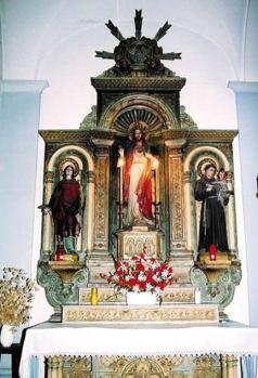 Vista frontal de l'altar del Sagrat Cor de l'església de Sant Jaume de Llierca (Foto: www.santjaumedellierca.cat)
