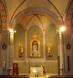 Vista frontal de l'altar major de l'església de Sant Pere Despuig, a la Vall de Bianya, 2015 (Foto: http://inventaripatrimoni.garrotxa.cat)