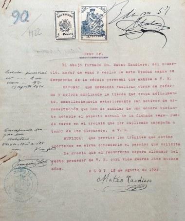 Sol·licitud de permís de llicència d'obres, 18.8.1922 (ACGAX. Fons Ajuntament d'Olot. Expedient de llicència d'obres)