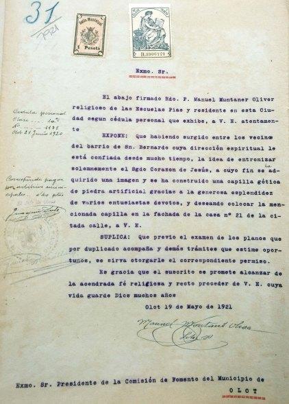 Sol·licitud per instal·lar la capelleta del Sagrat Cor al carrer de Sant Bernat, 21, a Olot, 1921 (ACGAX. Fons Ajuntament d'Olot. Expedient de llicència d'obres)