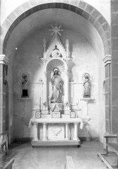Vista frontal de l'altar de la Puríssima de l'església de Sant Salvador, a Castellfollit de la Roca, entre els anys 1945 i 1949 (ACGAX. Fons Sadurní Brunet Pi. Autor: Sadurní Brunet)