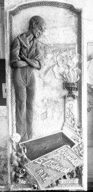 Làpida per a la tomba de Salvador Coderch, a Sant Joan les Fonts, 1926 (ACGAX. Fons: Sadurní Brunet Pi. Autor: Sadurní Brunet)