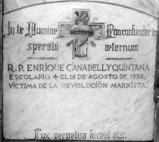 Làpida del pare escolapi Enric Canadell i Quintana, 1936 (ACGAX. Fons Sadurní Brunet Pi. Autor: Sadurní Brunet)