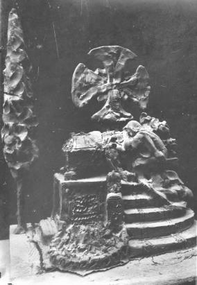 Esbós en fang d'un panteó, entre els anys 1925 i 1938 (ACGAX. Fons Sadurní Brunet Pi. Autor: Sadurní Brunet)