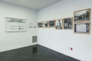 """Vista parcial de l'exposició """"Sadurní Brunet. Registre i sensibilitat"""", Sala d'actes de l'Arxiu Comarcal de la Garrotxa, 2018 (ACGAX. Col·lecció d'imatges de l'ACGAX. Autor: Quim Roca)"""