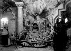 Interior del taller de Sadurní Brunet al carrer de Santa Magdalena, a Olot, 1918 (ACGAX. Fons Sadurní Brunet Pi. Autor: Sadurní Brunet)