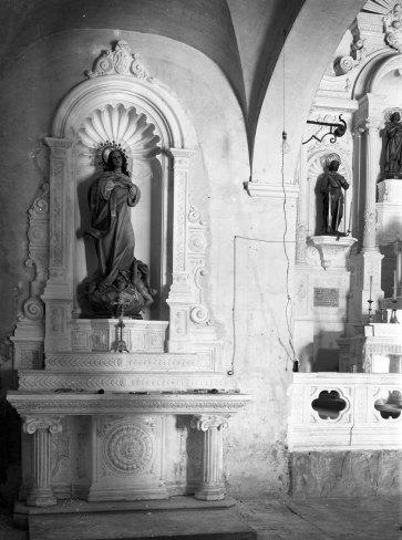 Vista lateral de l'altar de la Puríssima de l'església de Sant Mamet, a Riumors, 1948 (ACGAX. Fons Sadurní Brunet Pi. Autor: Sadurní Brunet)