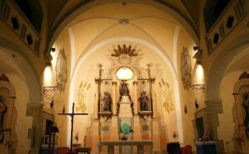 Vista parcial de l'interior de l'església de Sant Mamet, a Riumors, 2009 (Foto: www.gencat.cat. Autor: Jacob Casquete)