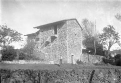 Vista general de la part posterior de can Masdavall, a Olot, c.1915 (ACGAX. Fons Sadurni Brunet Pi. Autor: Sadurní Brunet)