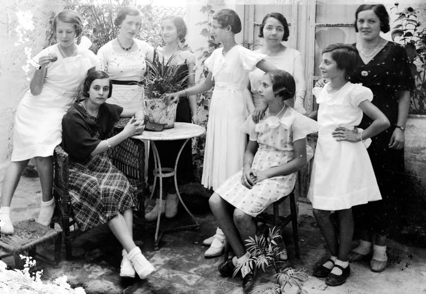 Retrat de grup, c. 1933 (ACGAX. Fons Sadurní Brunet Pi. Autor: Sadurní Brunet)